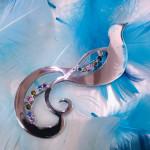 Paratiisilinnut rintaneula uniikki